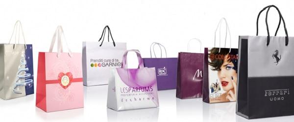 Túi giấy thời trang được thiết kế với nhiều mẫu mã khác nhau