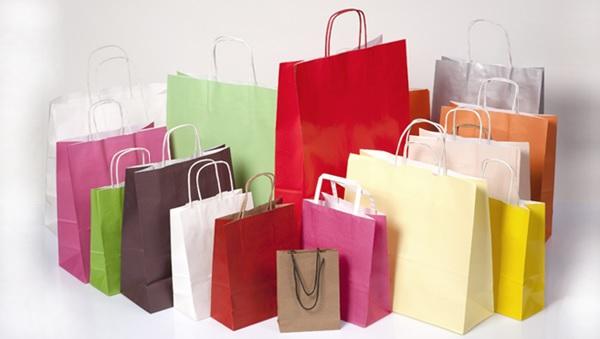 Màu sắc túi giấy nên phù hợp với bộ nhận diện thương hiệu để tạo sự đồng bộ